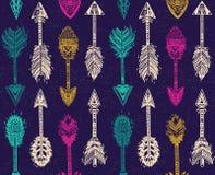Безшовная картина с стрелками коренного американца индийскими в этническом стиле Стоковая Фотография RF