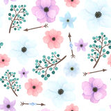 Безшовная картина с стрелками, цветками и ягодами Стоковое Изображение RF