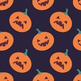 Безшовная картина с традиционными элементами хеллоуина Стоковое Изображение