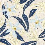 Безшовная предпосылка с тропическими листьями и белыми цветками Дизайн вектора стоковая фотография rf