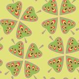 Безшовная предпосылка с цветастыми листьями бесплатная иллюстрация