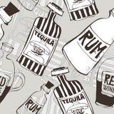 Безшовная предпосылка с бутылками Стоковые Изображения RF