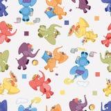 Безшовная предпосылка с радужными слонами Стоковые Изображения