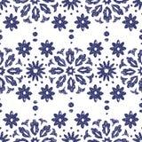 Безшовная сине-белая картина Орнамент нарисованный в карандаше вручную Винтажная печать для тканей Этнические и племенные мотивы  иллюстрация вектора