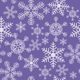 Безшовная текстура рождества со снежинки на пурпурном backgro иллюстрация вектора