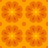 Безшовная текстура с милыми стилизованными цветками в теплом апельсине Стоковая Фотография RF