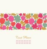 Безшовная флористическая нашивка с ягодами, цветками и листьями. Декоративный элемент дизайна для милых карточек, знамен, границ Стоковое Изображение RF