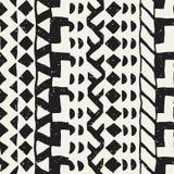 Безшовная этническая и племенная картина Нашивки нарисованные рукой орнаментальные Черно-белая печать Vector геометрическая предп иллюстрация штока