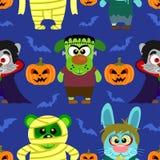Безшовный с животным в костюме хеллоуина, предпосылке хеллоуина Стоковые Изображения