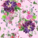 Безшовный цветочный узор с тюльпанами, ветреницами, гортензией, евкалиптом и листьями, картиной акварели Стоковое Изображение RF
