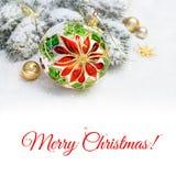 Безделушка рождества, ветви рождественской елки на снеге, космосе текста Стоковые Фото