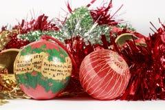 Безделушки рождества и другие украшения дерева Стоковые Фотографии RF