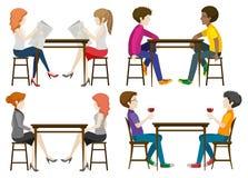 Безликие люди на таблице Стоковое фото RF