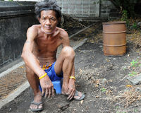 Бездомный человек в Бангкок Стоковая Фотография