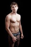 без рубашки подходящего человека тела сексуальное стоковое фото rf