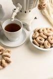 Бейгл и горячий чай Стоковое Изображение