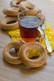 Бейгл и чай Стоковое Фото