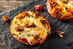 Бейгл пиццы сосиски и перца Стоковое фото RF