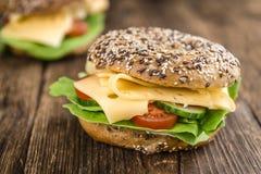 Бейгл с сыром (гауда) Стоковое Фото