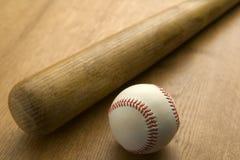 бейсбольная бита шарика Стоковые Изображения