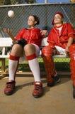 2 бейсболиста смотря прочь Стоковое фото RF