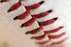Бейсбол соединяет швами макрос Стоковое фото RF