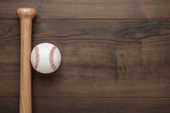 Бейсбольная бита и шарик Стоковое Изображение RF