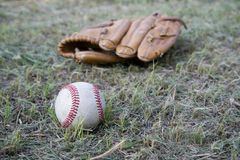 Бейсбольный матч Шарик бейсбола, перчатка бейсбола Стоковая Фотография