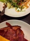 Бекон, сыр и салат стоковая фотография rf