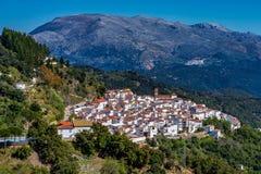 Белая андалузская деревня, Пуэбло blanco Algatocin Провинция Малага, Испании стоковая фотография