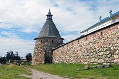 Белая башня скита Solovetsky, России Стоковое Изображение