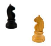 Белая диаграмма белизна рыцаря шахмат лошади черноты blurr Стоковые Фотографии RF