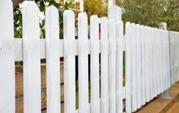 Белая загородка стоковые изображения