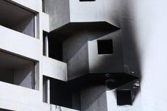 Белая, который сгорели квартира на блоке стоковое изображение