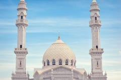 Белая крыша мечети Стоковые Изображения RF