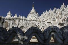 Белая пагода пагоды Mingun Thein Дэн Mya Hsinbyume, Mya Стоковое Изображение
