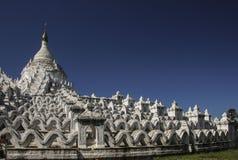 Белая пагода пагоды Mingun Thein Дэн Mya Hsinbyume, Mya Стоковая Фотография