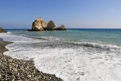 Белая пена в береге моря Стоковые Изображения