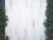 Белая предпосылка рамки деревянной доски Стоковые Фотографии RF
