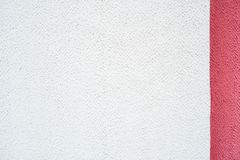Белая розовая фиолетовая фиолетовая стена, конкретная предпосылка, вертикальные нашивки цвета Полу прокладка, 2 цвет и текстура 3 Стоковое Фото