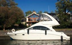 белая яхта Стоковое Изображение