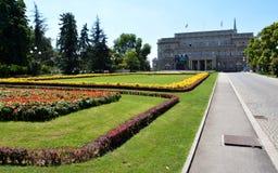 БЕЛГРАД, СЕРБИЯ - 15-ОЕ АВГУСТА 2016: Известный старый дворец в городе Белграде, собрании города стоковое фото rf