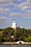 белизна башни парка beihai Стоковая Фотография