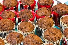 белизна бумаги пирожня шоколада красная Стоковая Фотография