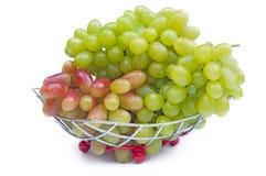 белизна вазы свежих фруктов предпосылки Стоковые Фото
