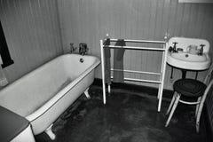белизна ванной комнаты черная Стоковые Изображения RF
