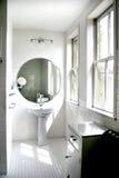 белизна ванной комнаты черная Стоковые Фото
