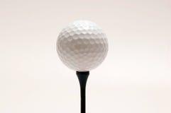белизна гольфа шарика Стоковая Фотография RF