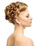 белизна девушки изолированная стилем причёсок самомоднейшая Стоковое Изображение