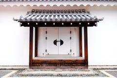 белизна декоративной двери японская традиционная Стоковая Фотография